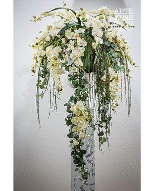 Composizione floreale con fiori artificiali in tessuto:Composizione decorativa Colonial