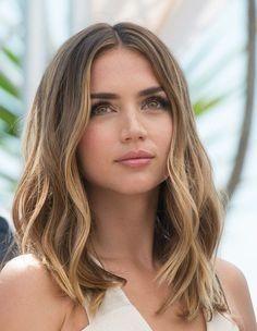 Schöne Frisur Ideen für schulterlanges glattes Haar