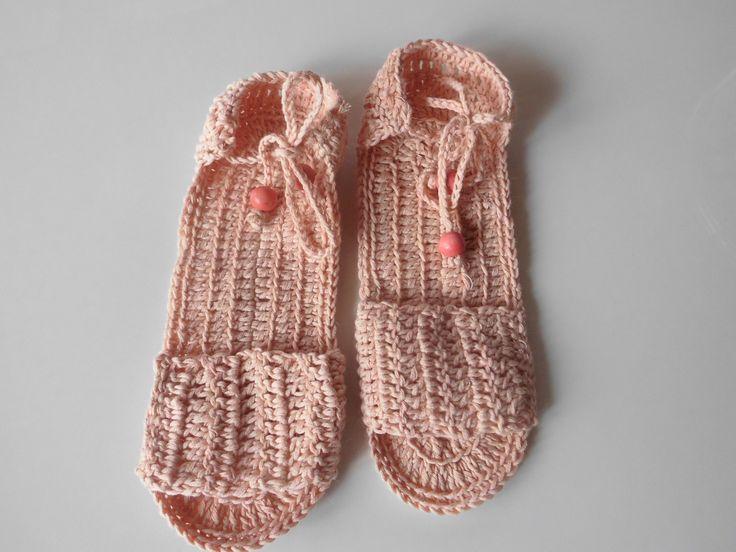 zapatillas de verano de ganchillo,para andar por casa  para niñas
