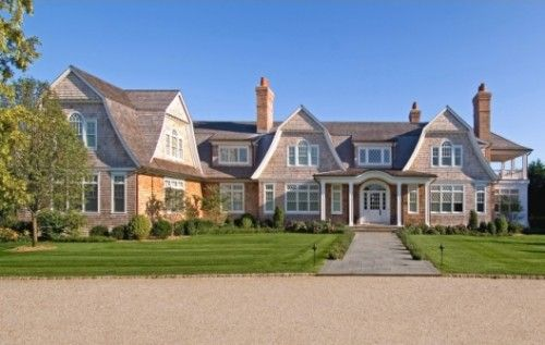 Shingle Style Hamptons House With Double Gable And Wing