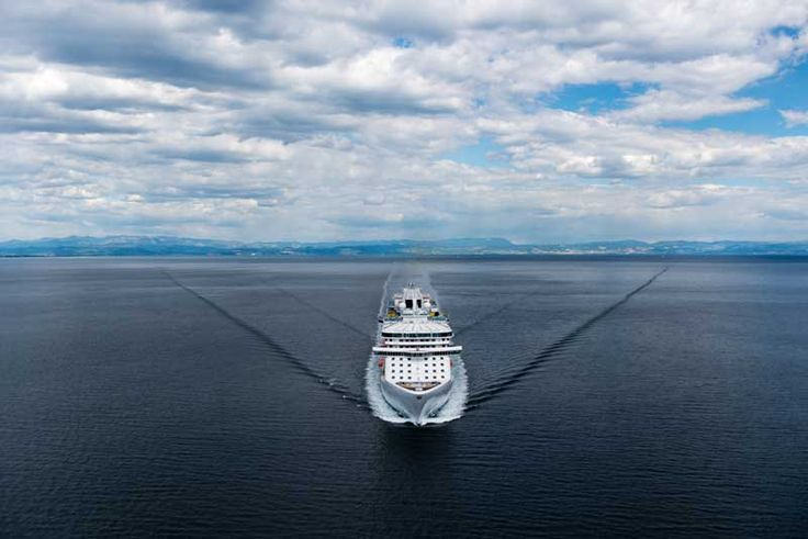 Princess Cruises Orders New 142,000 Ton Cruise Ship - http://www.cruisehive.com/princess-cruises-orders-new-142000-ton-cruise-ship/3840