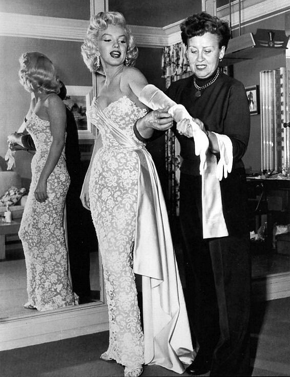 Marilyn Monroe Gets Dressed For The Premiere Of How To Marry A Millionaire 1954