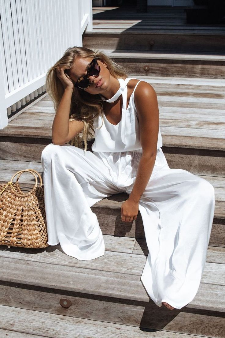beach babe, casual chic, casual outfits, white jumpsuit, beach bum, fashion blogger, summer style, summer outfit ideas