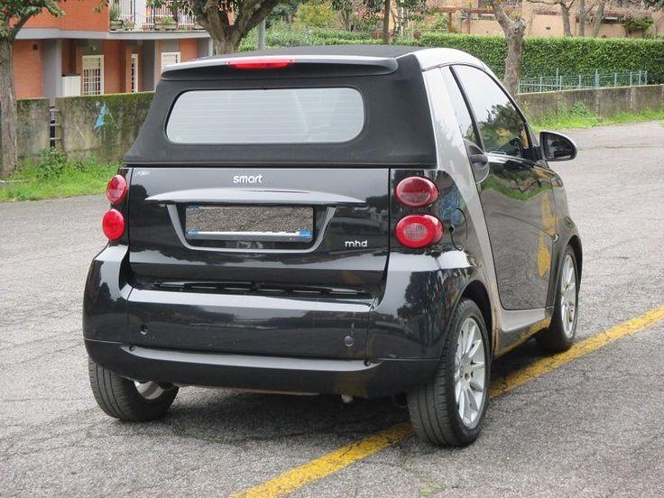 smart forTwo 1000 52 kW MHD cabrio passion Prezzo al pubblico: € 4.990,- Carrozzeria: Cabrio Chilometraggio: 98.000 km  Anno: 05/2009  Potenza: 52 kW (71 CV)  Carburante: Benzina Colore: Nero metallizzato  Finiture interne: Stoffa Grigio Descrizione del veicolo dell'offerente Smart Cabrio..in Perfette Condizioni... Offerta valida esclusivamente con apertura finanziamento: ESEMPIO -500 acconto -4500 finanziamento Primaria banca ... 48-60 mesi .....  trattative in sede