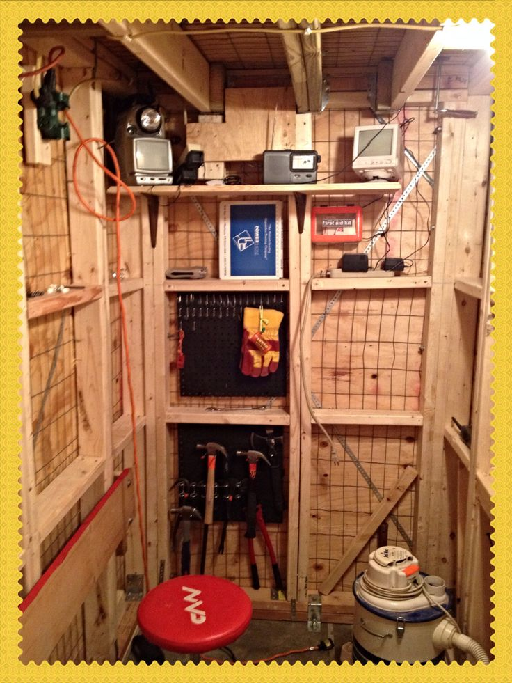 17 best images about safe room on pinterest hidden gun for Best safe rooms