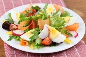 Salata cu oua si ridichi - Culinar.ro