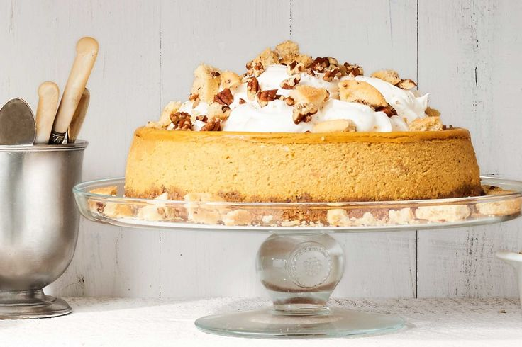 Pumpkin Cheesecake with Cookie Crust