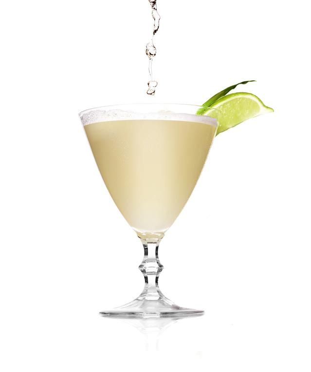 Low Calorie Coconut Vodka Cocktail: A coconut martini without the guilt? Yes, please!
