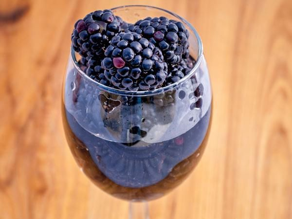 Blackberry wine - Why it's healthy: Each little orb houses a range of disease-fighting anthocyanins, but perhaps most notable is delphinidin, which decreases inflammation and inhibits some enzymes related to type 2 diabetes.