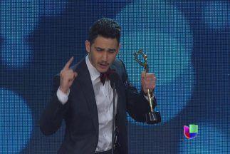Así se vivió el triunfo de Alejandro Speitzer en la televisión tanto en Televisa como en Univisión.  #AlejandroSpeitzer #AlexSpeitzer #actor #Premios #PremiosTvyNovelas #TvyNovelas #2014 #Televisa #SantaFe #Univision #Awards #Mexico #MejorActorJuvenil