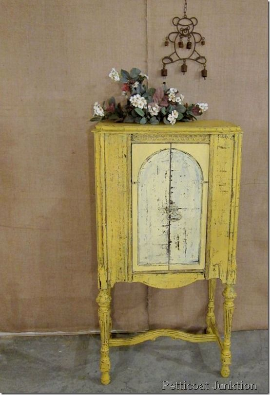 DIY::Beautiful Vintage Radio Cabinet Tranformation ! Full Tutorial - Petticoat Junktion