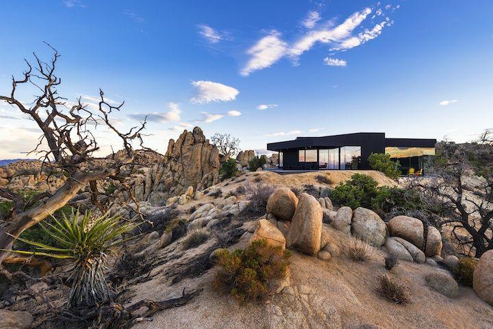 * The Black Desert House by Marc Atlan + Oller & Pejic   iGNANT.de