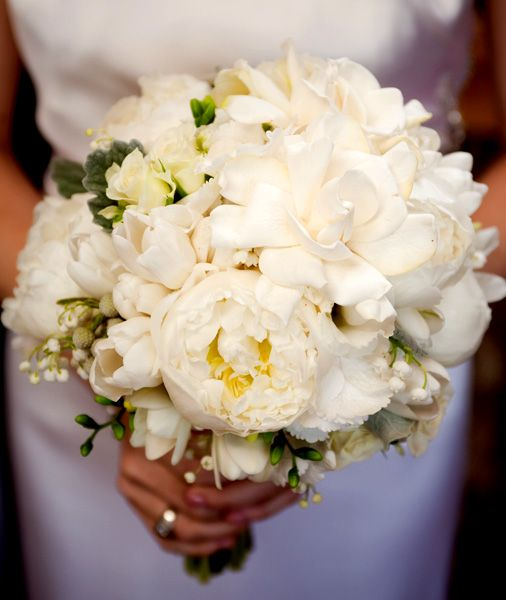 Gardenia Wedding Bouquet | peonies_gardenia_white_bridal_bouquet_floressence_design