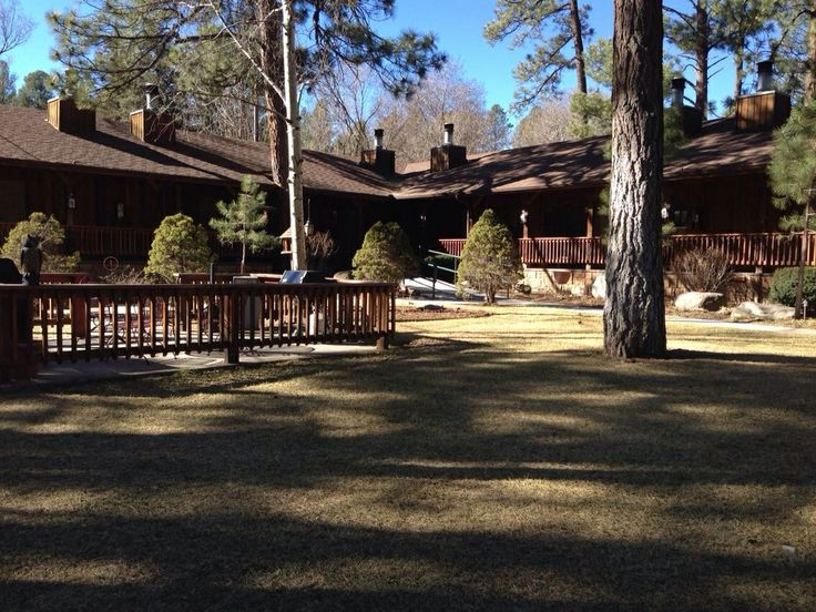 Shadow Mountain Lodge Ruidoso New Mexico Great Little Lodge In The Whispering Pines Ruidoso Favorite Places Mountain Lodge