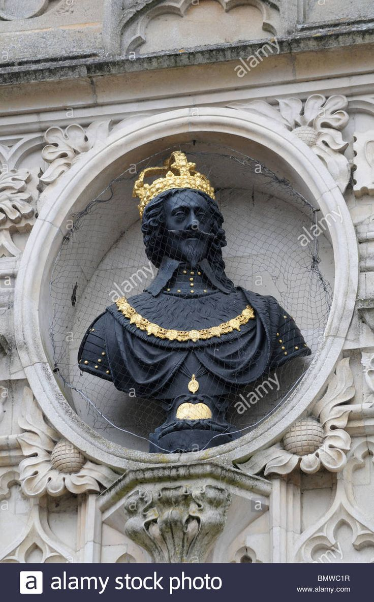 bust of Charles I (Original by Hubert Le Sueur  a French Huguenot Emigre ) on Chichester City Market Cross