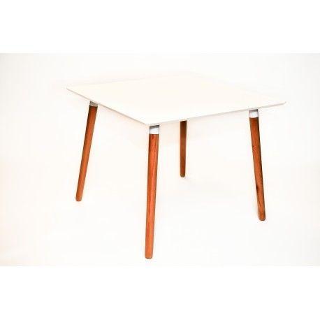 Culoare: alb, lemn natur. Material: MDF laminat, lemn. Dimensiuni: lungime 80cm, latime 80cm, inaltime 72cm.