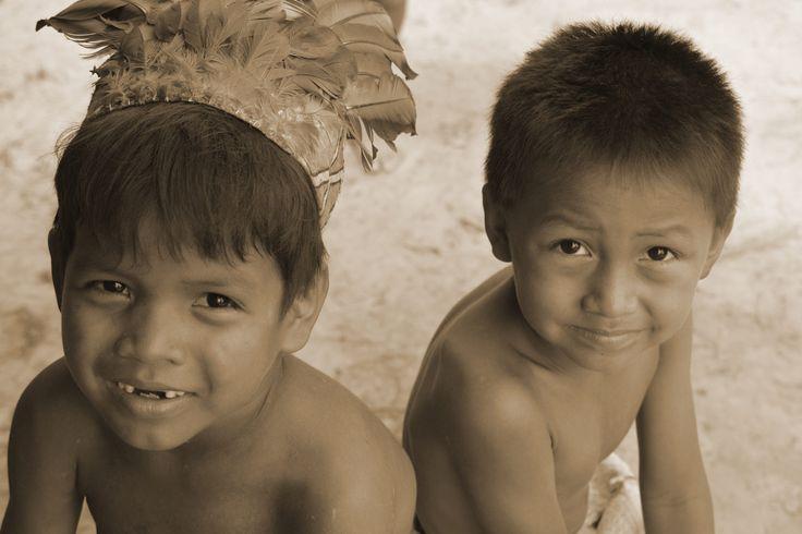 Niños indigenas by Cesar A. Salgado S. on 500px