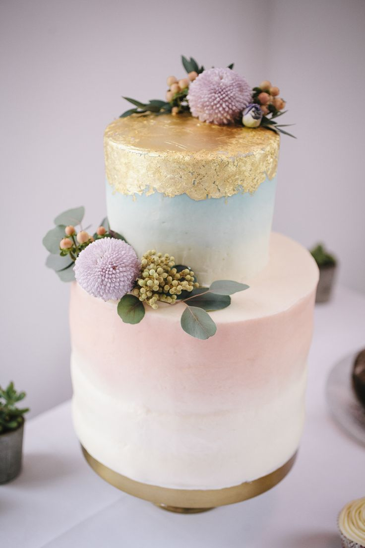 Watercolour Pastel Ombre Cake Gold Leaf Flowers Stylish Clean Modern City Wedding https://mybeautifulbride.co.uk/