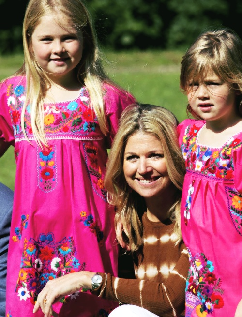 queen maxima and two of her daughters