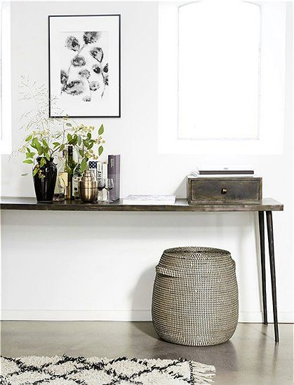 die besten 25 konsolentisch ideen auf pinterest konsolentisch im flur beistelltische. Black Bedroom Furniture Sets. Home Design Ideas