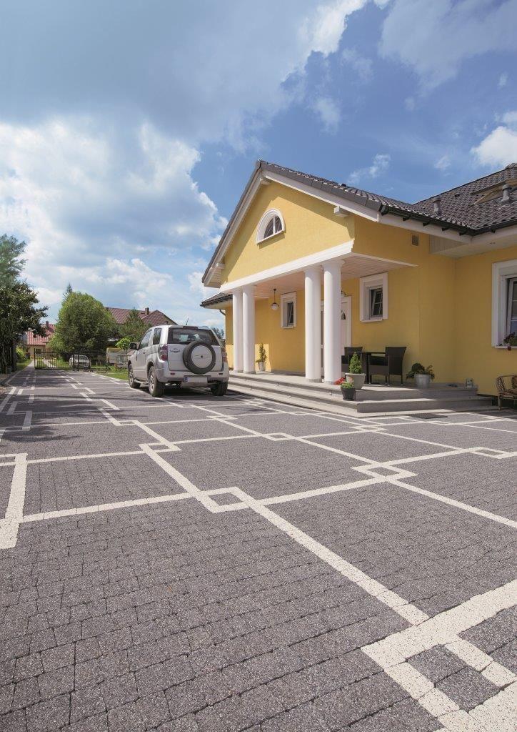 Podjazd wykonany z kostki brukowej #Polbruk Avanti www.polbruk.pl
