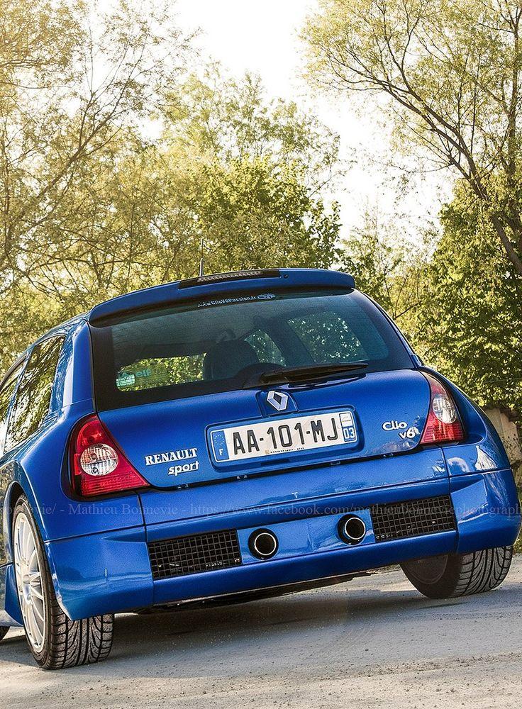 Renault Clio V6                                                                                                                                                                                 Mais