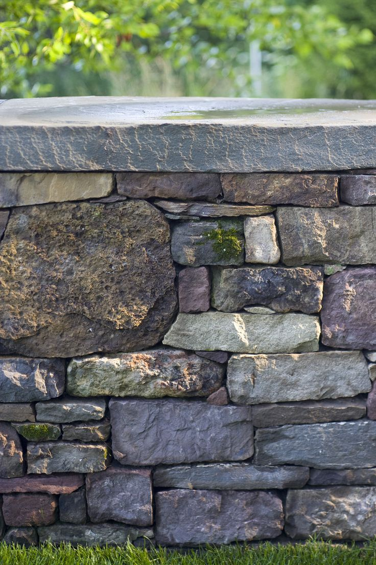 Pennsylvania Fieldstone Wall | Smith Point Residence | Landscape Architect: H. Keith Wagner Partnership |  Image Credit: Westphalen Photography