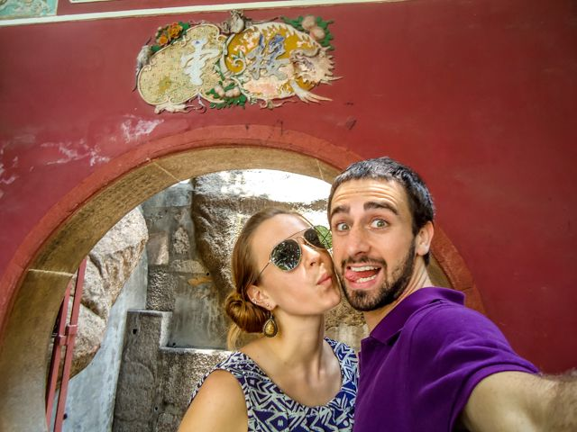 Tips for Traveling Couples - 10 Ways to Keep the Love Alive on the Road - A Cruising Couple
