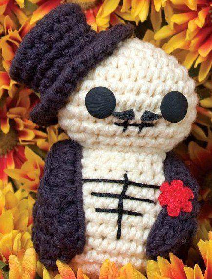 Free Amigurumi Skull Pattern : Day of the Dead Fellow (Free Amigurumi Pattern) Crochet ...