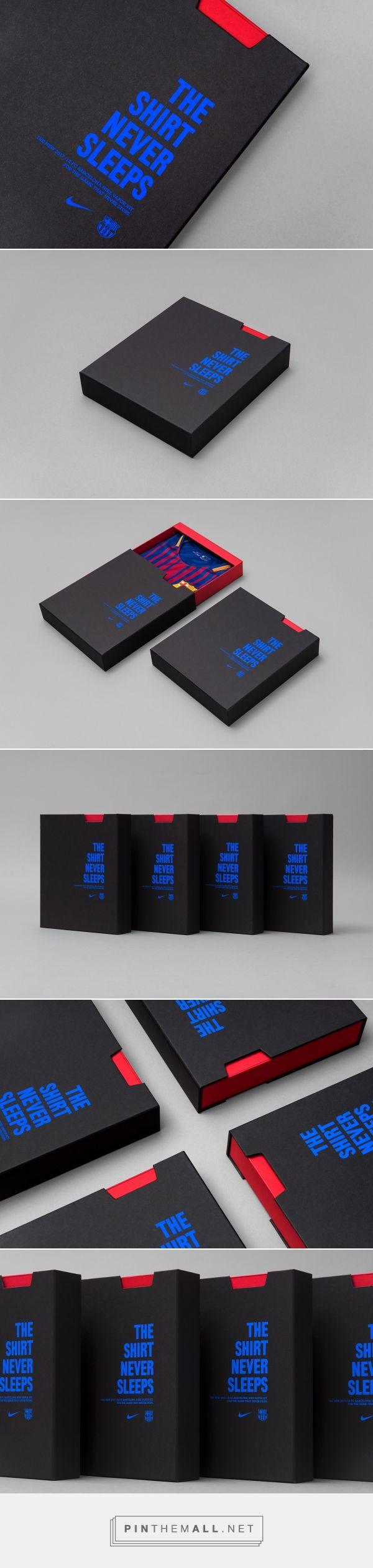 FC Barcelona 2017-18 Jersey packaging design by Oxigen - http://www.packagingoftheworld.com/2017/07/fc-barcelona-2017-18-official-jersey.html - created via https://pinthemall.net