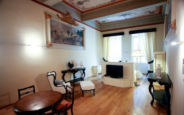 Orlando Palace- Official Site – Florence apartments Bed and Breakfast Residenza d Epoca, Bed and Breakfast a Firenze – Via dei Magazzini, 2 #apartments #for #rent #in #rochester #mn http://apartment.remmont.com/orlando-palace-official-site-florence-apartments-bed-and-breakfast-residenza-d-epoca-bed-and-breakfast-a-firenze-via-dei-magazzini-2-apartments-for-rent-in-rochester-mn/  #florence apartments # Florence Apartments Appartamenti Orlando Palace, Via Maggio 21, Piazza Pitti Gli…