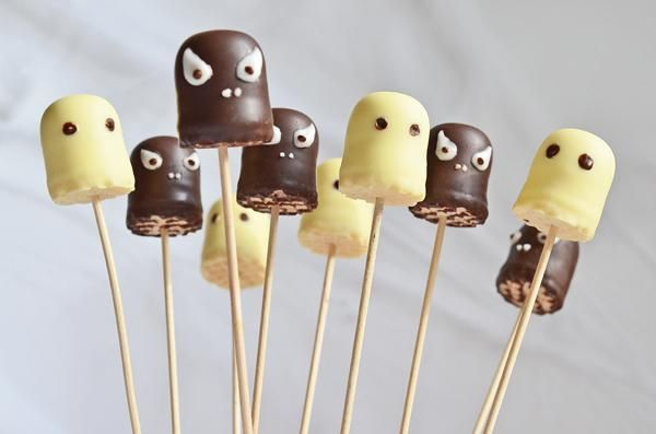 Chocolate kiss ghosts for the Halloween party