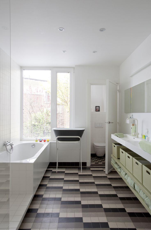 studio k - jaren '30 woning deurne 2010 (art deco, modernist house, patern tiles floor, bathroom, original elements, white,)