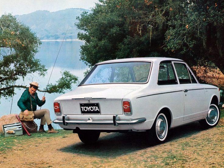 Toyota Corolla coach 1969-1970 vue AR - photo Toyota | Auto Forever