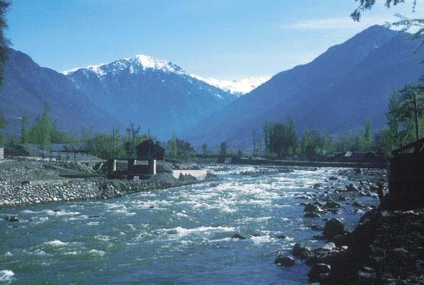 Kashmir Tourism Tours represents you the noticeable tourist attractions of Kashm  Which is the wonderful approach to discover the stunning Kashmir and its god bless Natural attractiveness .This land is called heaven and a big name has rightly said that if there is paradise on earth it this it is this    Kashmir the land of enchanted attractiveness and attention grabbing tourist magnetism of the world which has no similarity in beauty .Approximately every natural world lover had aspiration to…