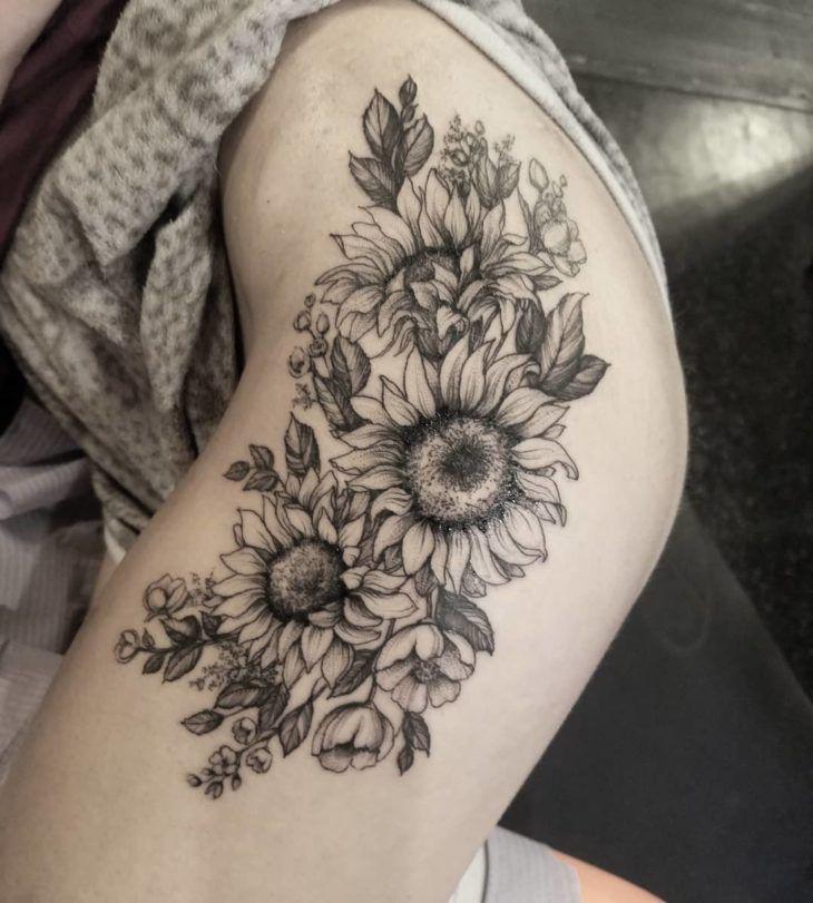 Tatuagem de girassol: 85 opções lindas para registrar na pele | Tatuagem de girassol, Tatuagem, Tatuagens de girassol