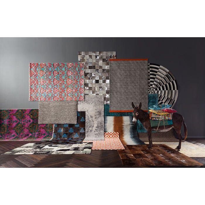 Rendondas, cuadradas, de lana o de cuero, coloridas o sobrias, las alfombras son un accesorio que no debe faltar en tu hogar.