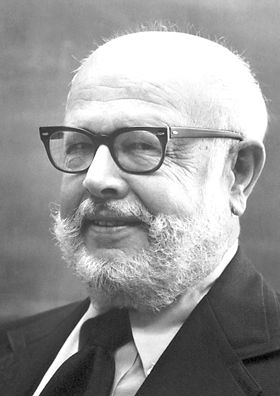 """William Alfred Fowler 1983    Born: 9 August 1911, Pittsburgh, PA, USA    Died: 14 March 1995, Pasadena, CA, USA    Affiliation at the time of the award: California Institute of Technology (Caltech), Pasadena, CA, USA    Prize motivation: """"for his theoretical and experimental studies of the nuclear reactions of importance in the formation of the chemical elements in the universe""""    Field: Astrophysics"""