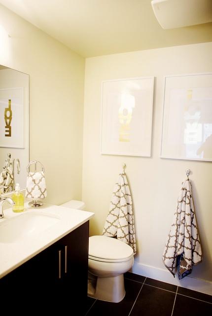 So much to love about this whole house: http://danielleoakeyinteriors.blogspot.com/2012/02/home-crush-monika-hibbs.html: Kids Bathroom, Towels Hooks, Dark Cabinets, Half Bath, Bathroom Ideas, Master Bath, Hands Towels, Bathroom Decor, White Wall