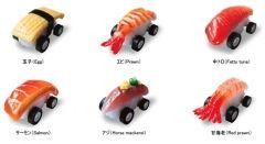 お寿司の人気のネタがゼンマイのバネで駆動するクルマになったらしい(笑) これは食品サンプルノベルティの制作を行なう北村サンプルという会社が作った寿司Boonすしブーン 今回は玉子EggエビPrawn中トロFatty tunaサーモンSalmonアジHorse mackerel甘海老Red prawnの6種類を発売 イクラウニ穴子も後日発売予定なんだとか 寿司好きな人へのプレゼントにはいいかもしれませんね()  #寿司 #ミニカー #食品サンプル