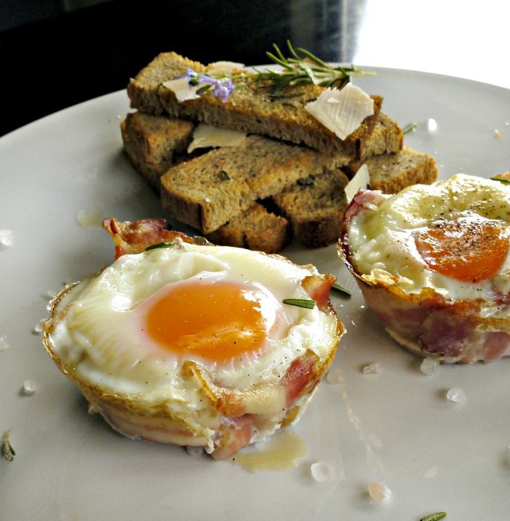 αυγά με μπέικον στο φούρνο