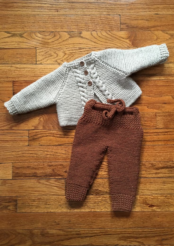 Made my own pattern for knit pants to go with the #cablecardigan from NordiskStrik! #knitting #babyknit