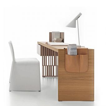 Scriba Desk Molteni&C - design Patricia Urquiola - for sale on line by clicking here http://goo.gl/2S6p3j