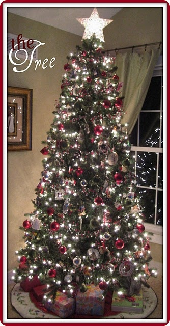 Decorate the Christmas Tree! On Christmas Eve night you leave it lit along with all the other Christmas lightes!: Christmas Time, Traditional Christmas, Silver Christmas, Chicago Cubs, White Lights, Christmas Decor, Trees Lights, Trees Christmas, Christmas Trees