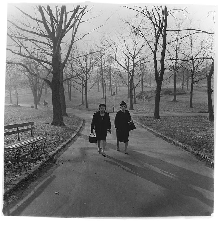 "<p>Diane+Arbus+was+one+of+the+most+original+and+influential+artists+of+the+20th+Century.+She+studied+photography+with+Berenice+Abbott,+Alexey+Brodovitch,+and+Lisette+Model.+In+1963+and+1966+she+was+awarded+John+Simon+Guggenheim+Fellowships,+and+was+one+of+three+photographers+whose+work+was+the+focus+of+""New+…</p>"