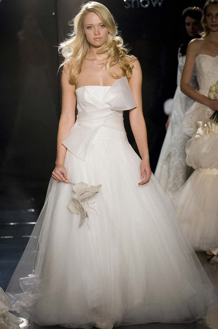 41 best wedding dresses images on pinterest boyfriends beach find local classified ads for second hand wedding clothes and bridal wear in the uk and ireland buy and sell hassle free with preloved ombrellifo Choice Image