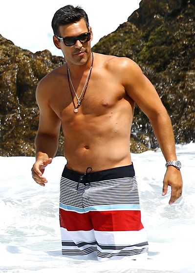 Eddie Cibrian shows off his buff body in Cabo San Lucas, Mexico. He's a cheating whore...but hot
