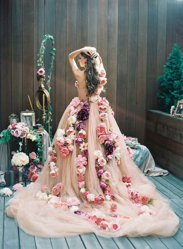 Stunning Blush Wedding Dress with Cascading Flowers | Lena Kozhina Photography | Unique Floral Design Inspiration for Spring Weddings!