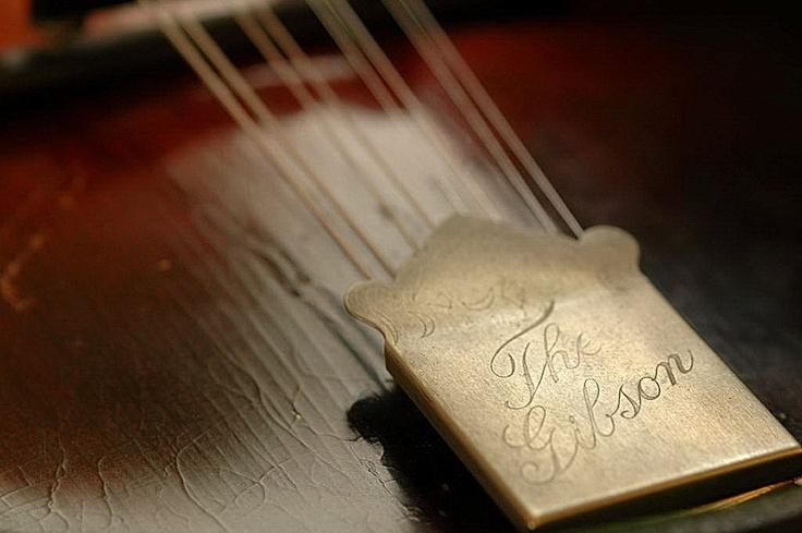 OLD Gibson Mandolin