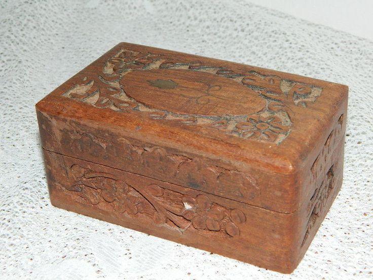 """ancien petit coffret en bois sculpté de camphre , Sweet box woode  5,12"""" x 2,95"""""""
